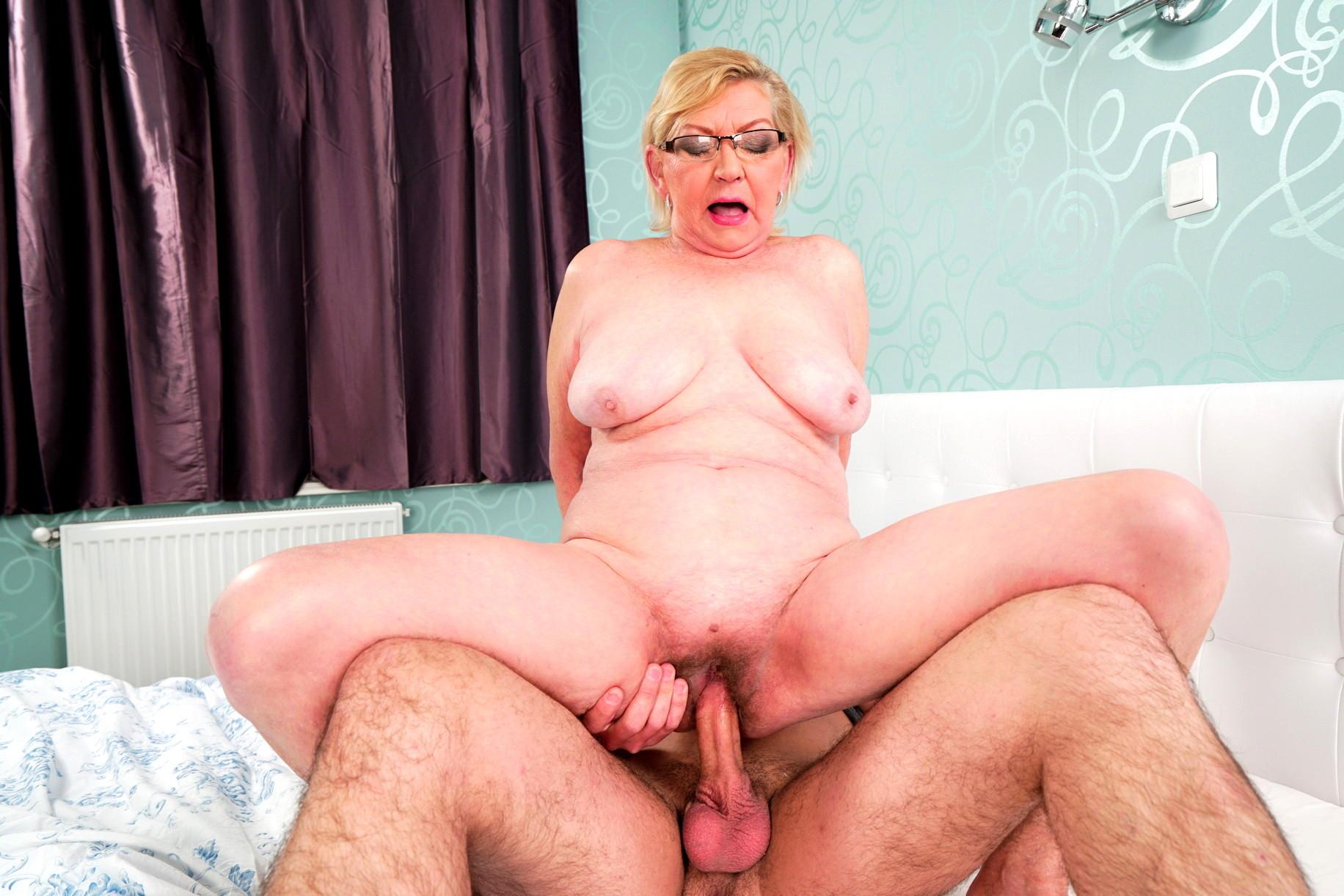 Granny sex, mature porn links, oma sex