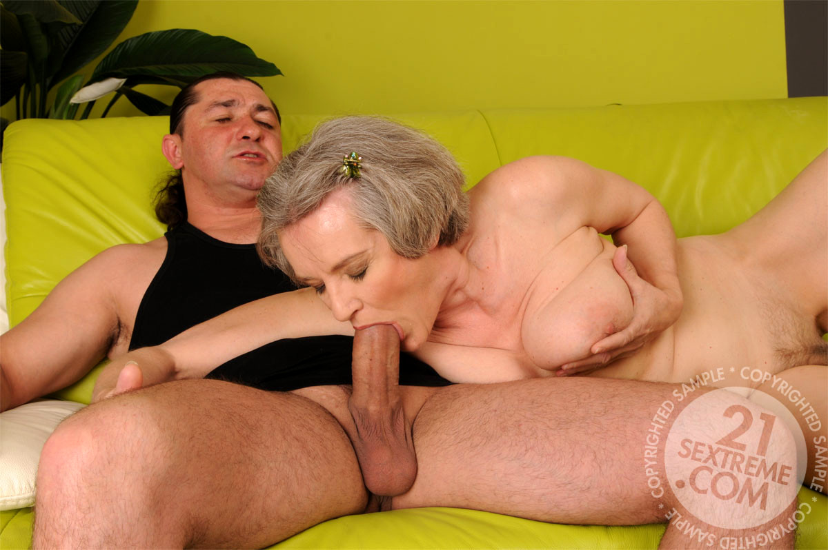 older-women-bareback