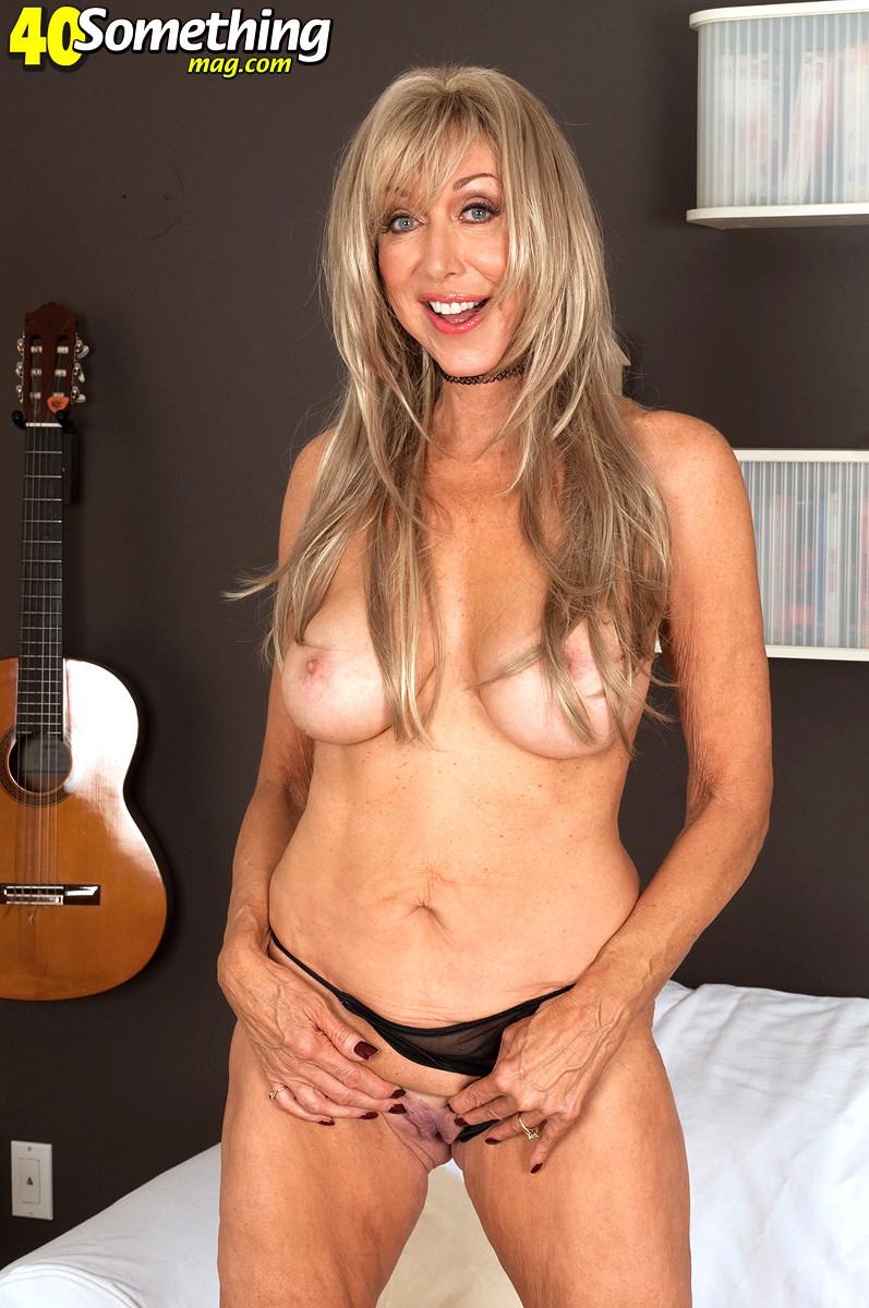 Babe Today 40 Something Mag Christy Cougar Nice Fake Tits -2074