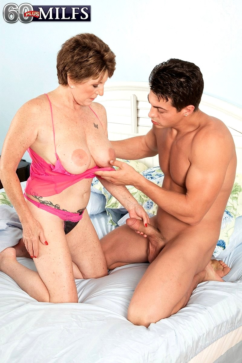 golden malmö housewife sex