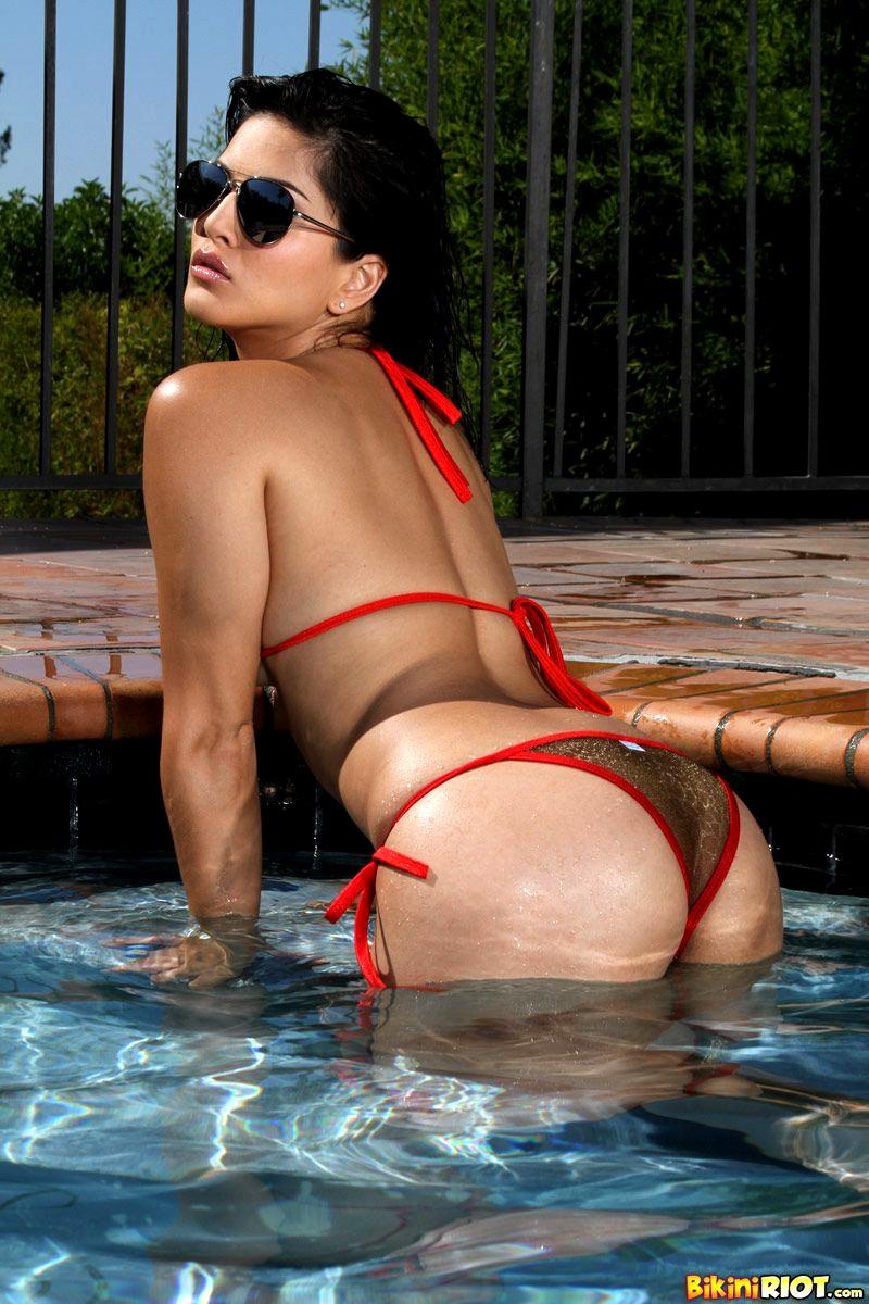 Babe Today Bikini Riot Sunny Leone Special Bikini Trailer -8192