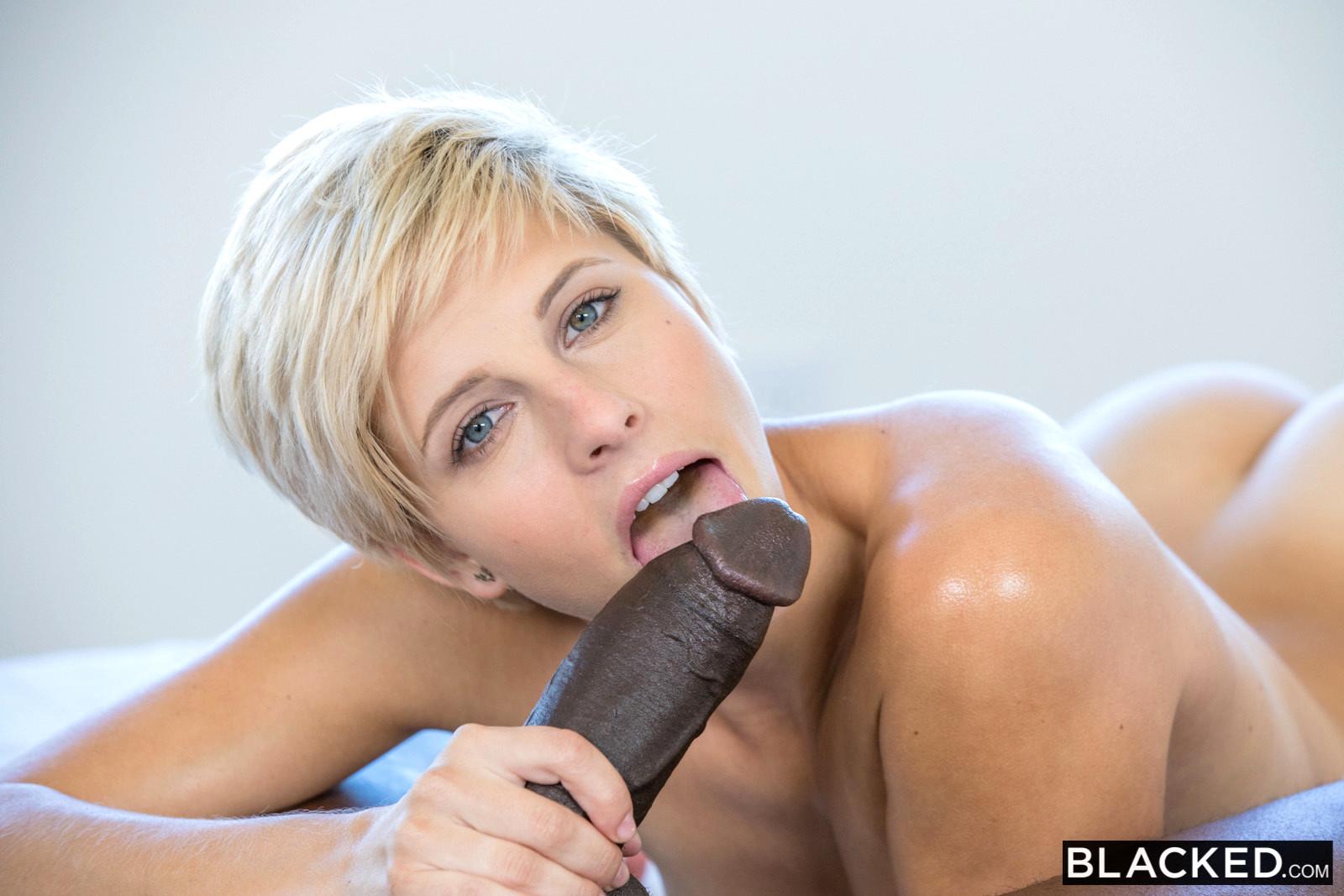 korotkostrizhennie-sportsmenki-porno-domashnee-porno