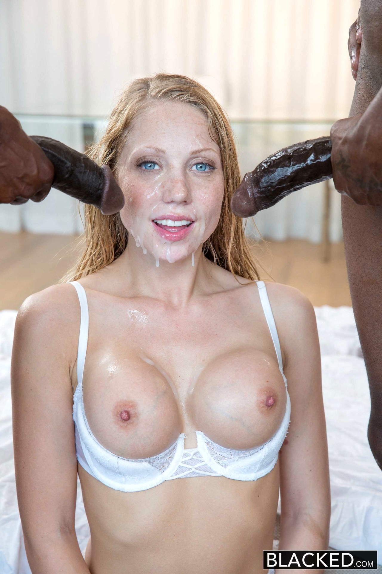 Riley nixon sucks black cock for money gloryhole - 1 5