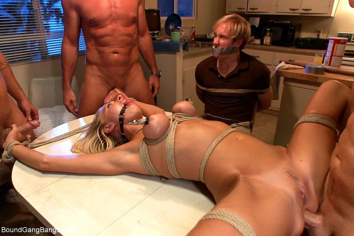 Порно ролики с бдсм с группой — 4