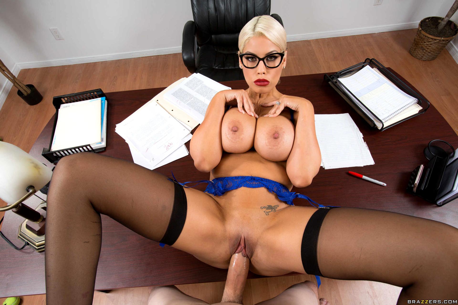 Сотреть порно секретарши онлайн