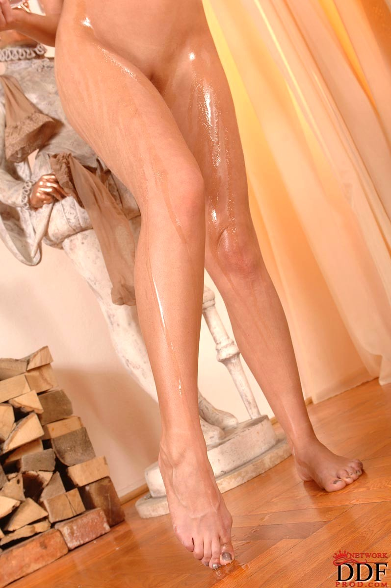 Naked babes feet-8655