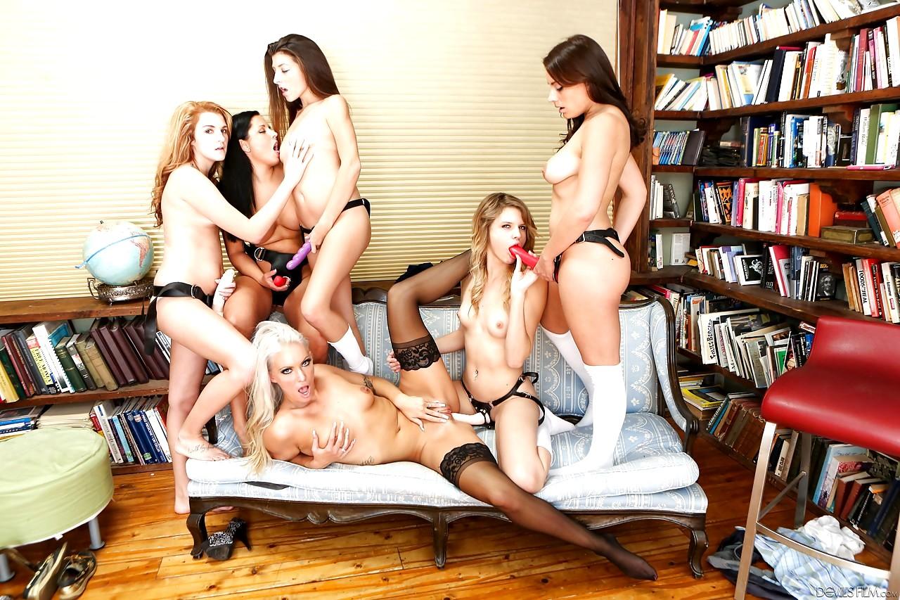 Смотреть училки лезбиянки порно онлайн, Училки лесбиянки - подборка порно видео. Коллекция 20 фотография