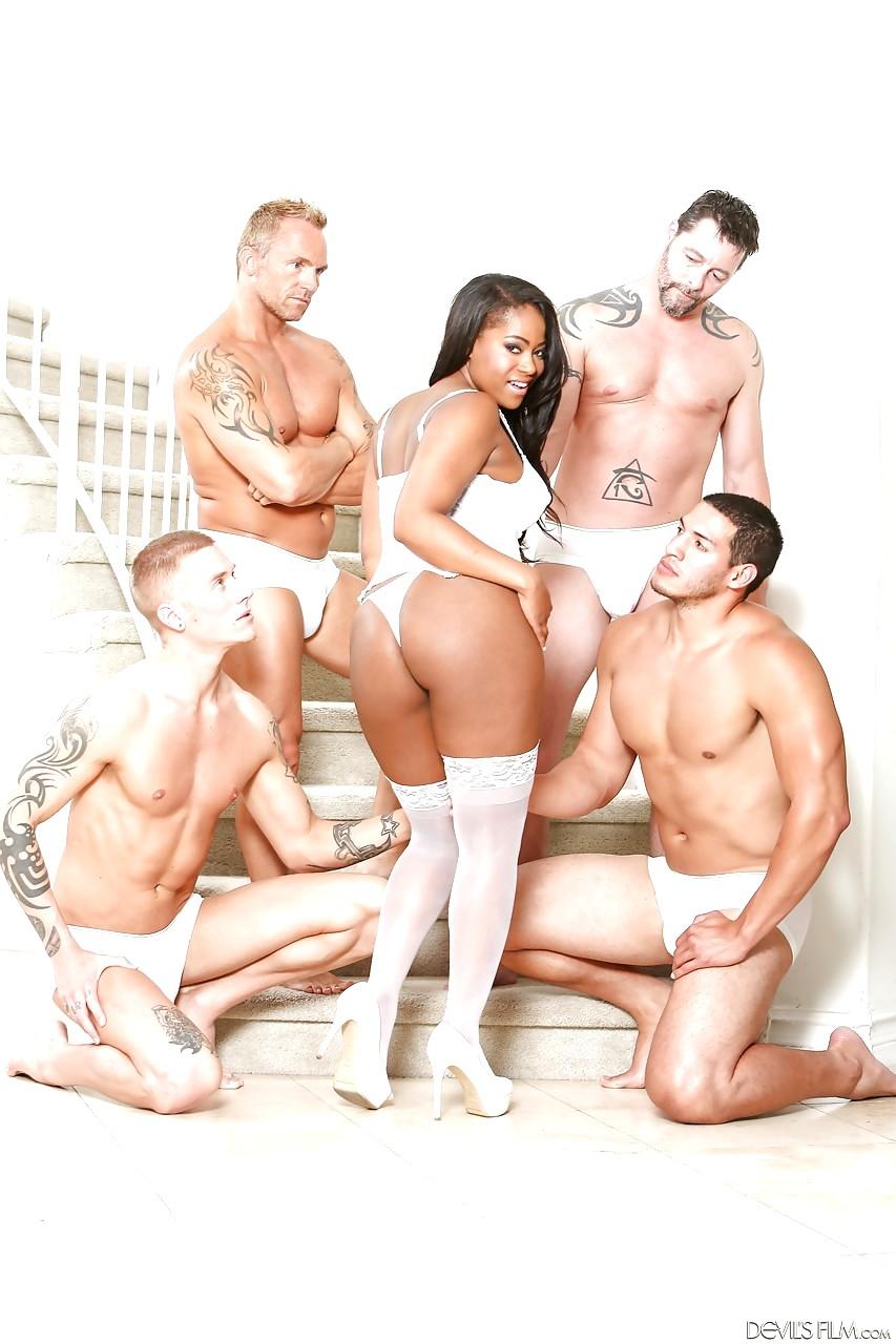 hot nurse free pics