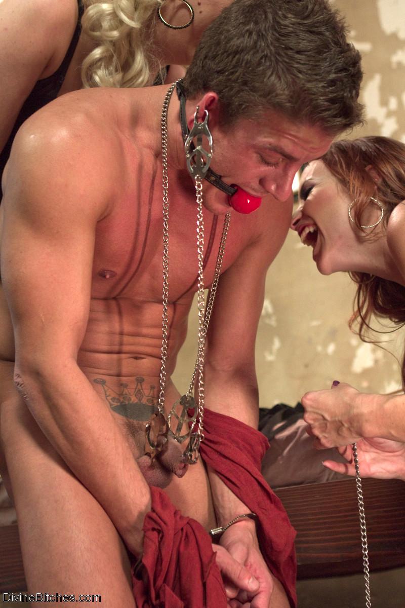 Порно извращения над мужиками