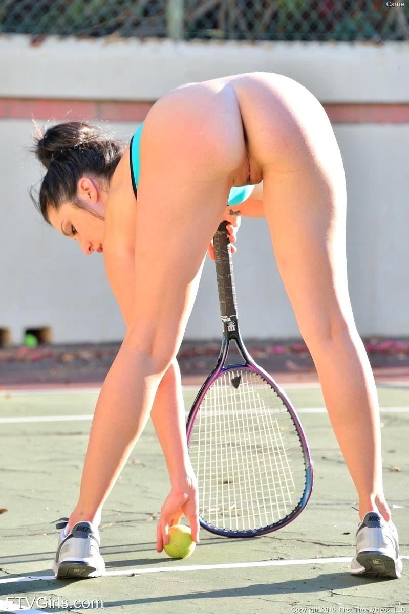Смотреть фото действующих спортсменок без трусов, минет мужу от жены фото