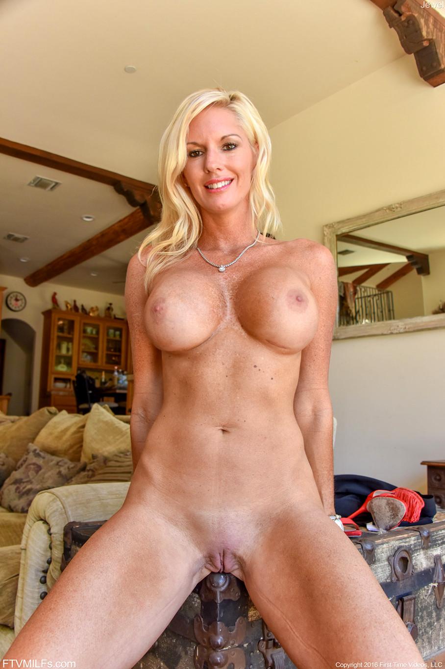 Video tits cougars, wild sexy bikini