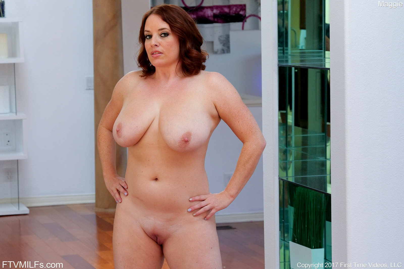 image Curvy cutie maggie green gives sloppy blow job to mark zane
