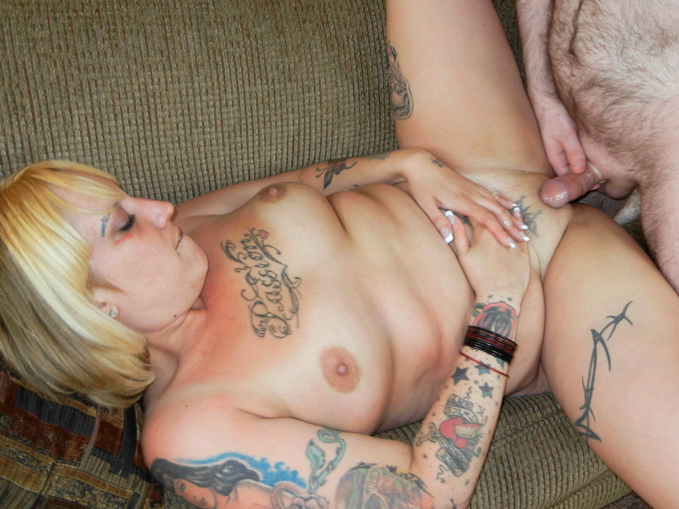 Фото татуировки отличающие шлюх и проституток, как уговорить девушку на вирт по скайпу
