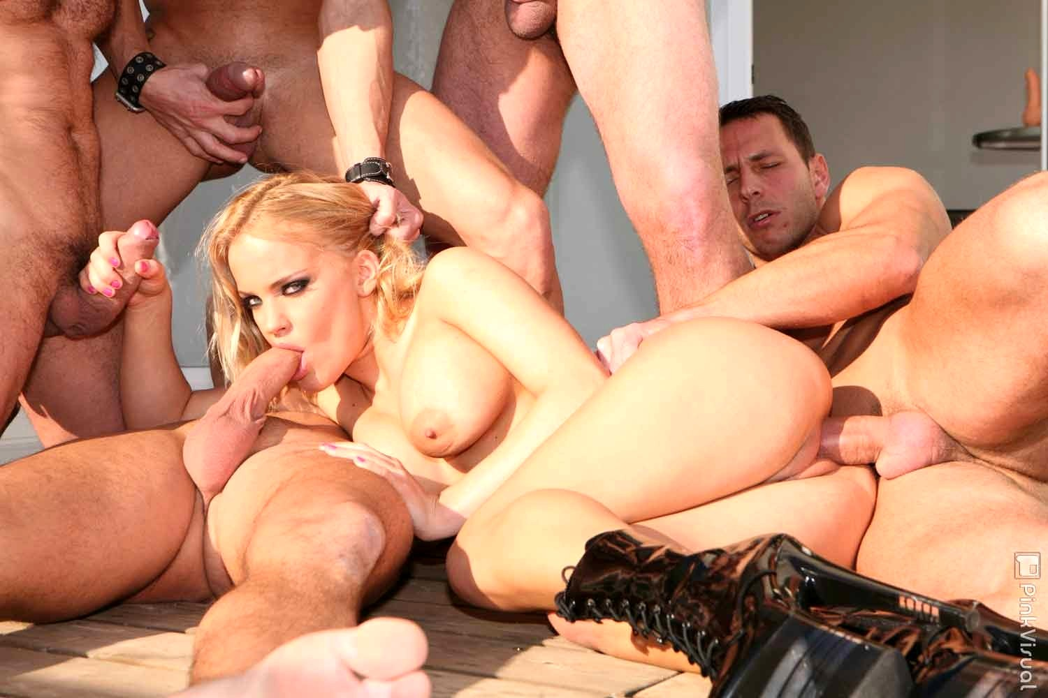 Naked busty babe gang bang oldmams sex