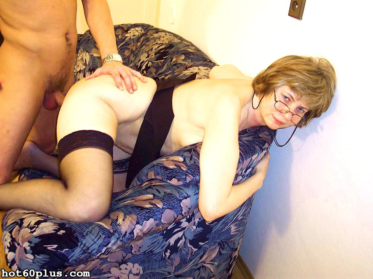 Порно горячей женщины в возрасте латиной