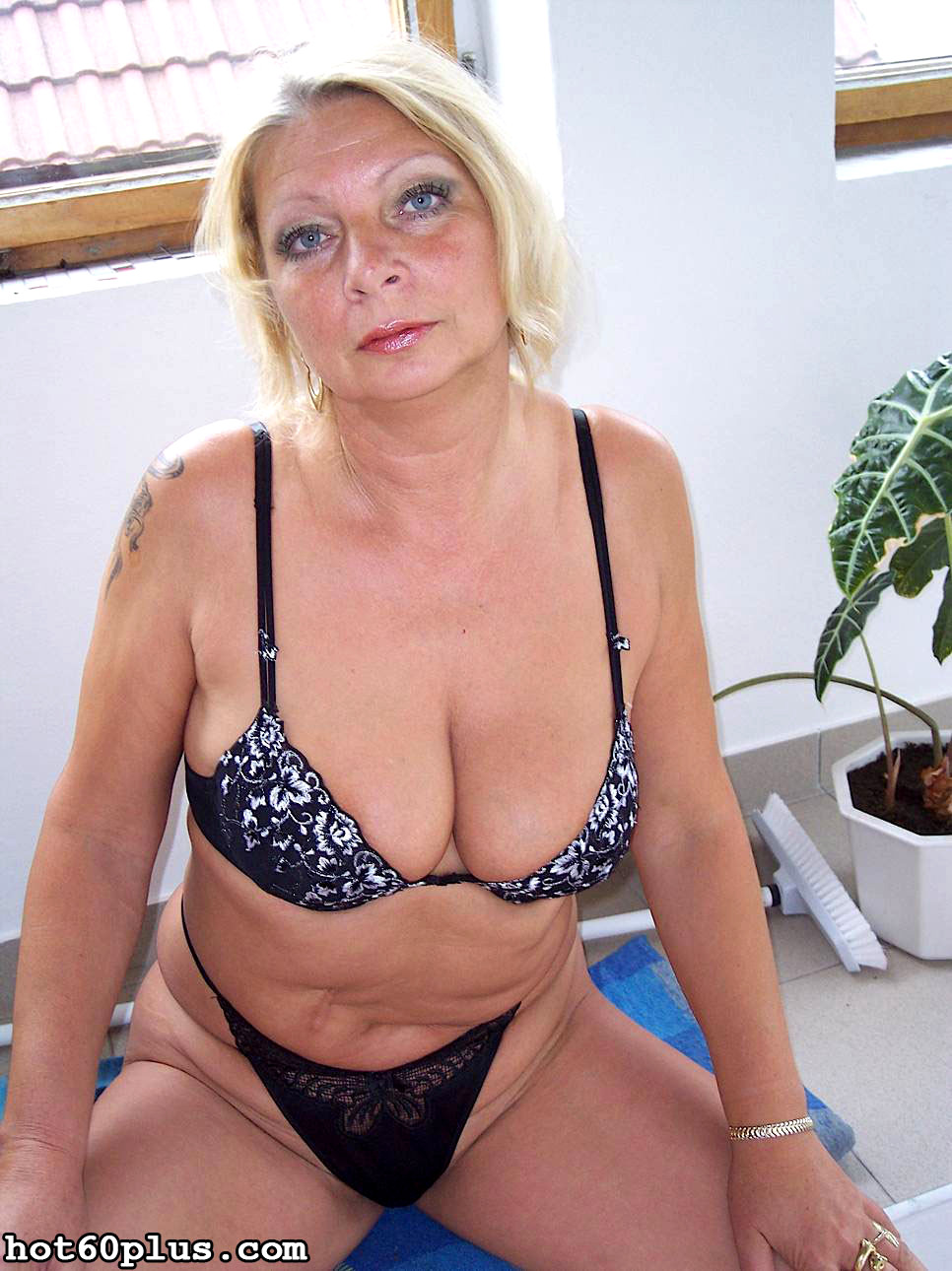 Babe Today Hot 60 Plus Irena High Def House Wife Thread