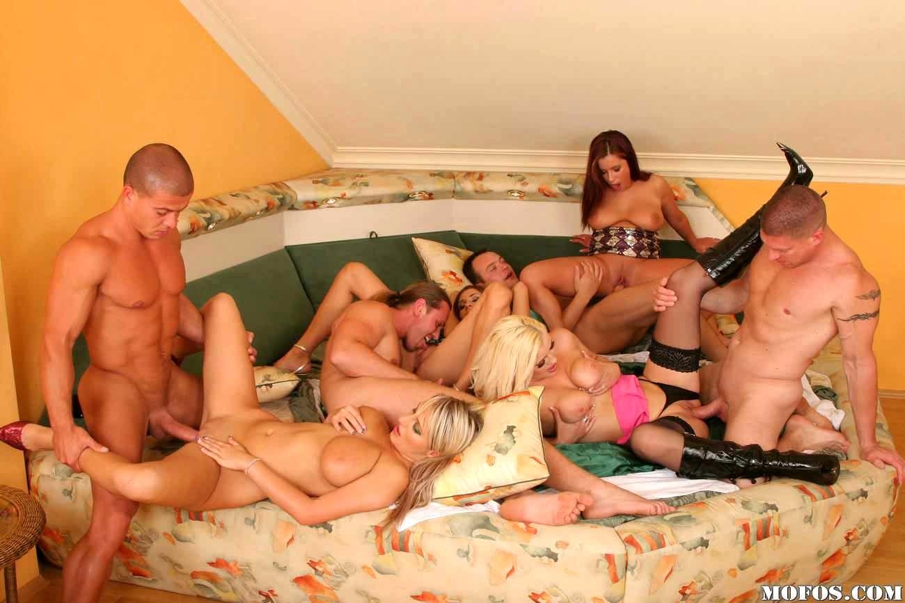 seks-video-s-beshenimi-devushkami-beskonechnih-konchin-rot