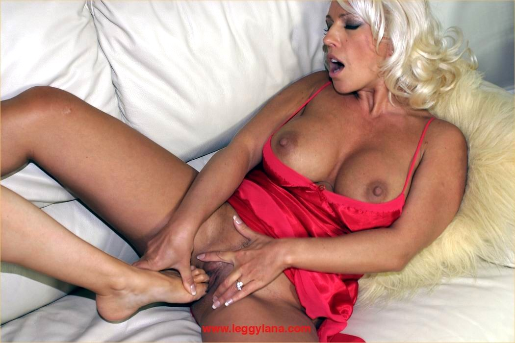 Lana cox amp saffy foot worship 6