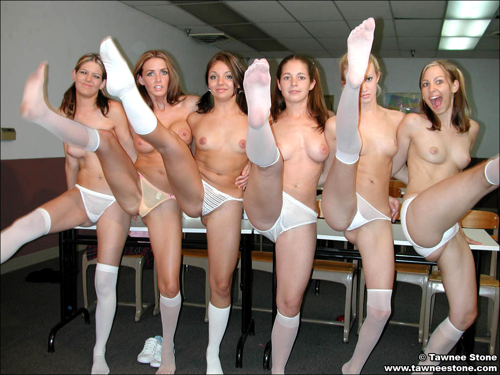 free nude flexible black pic