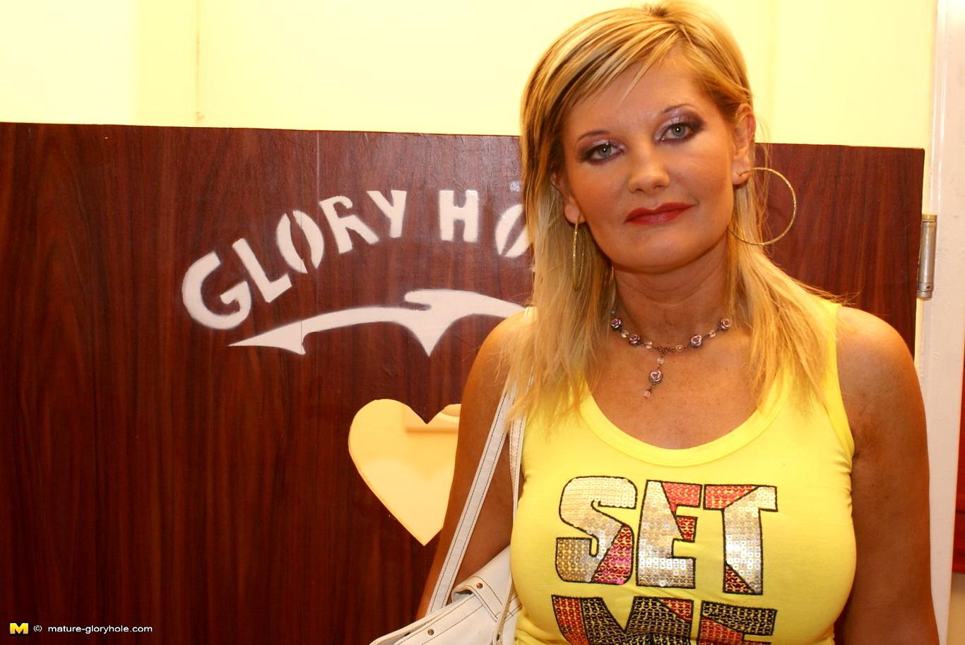 Lana glory hole girlz torrent-9594