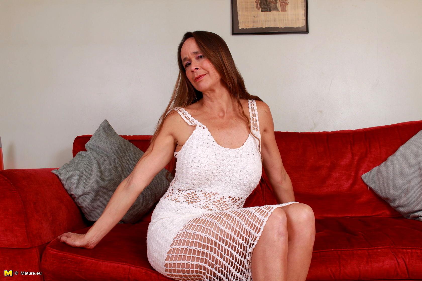 Uk female soapstar pussy pics #6