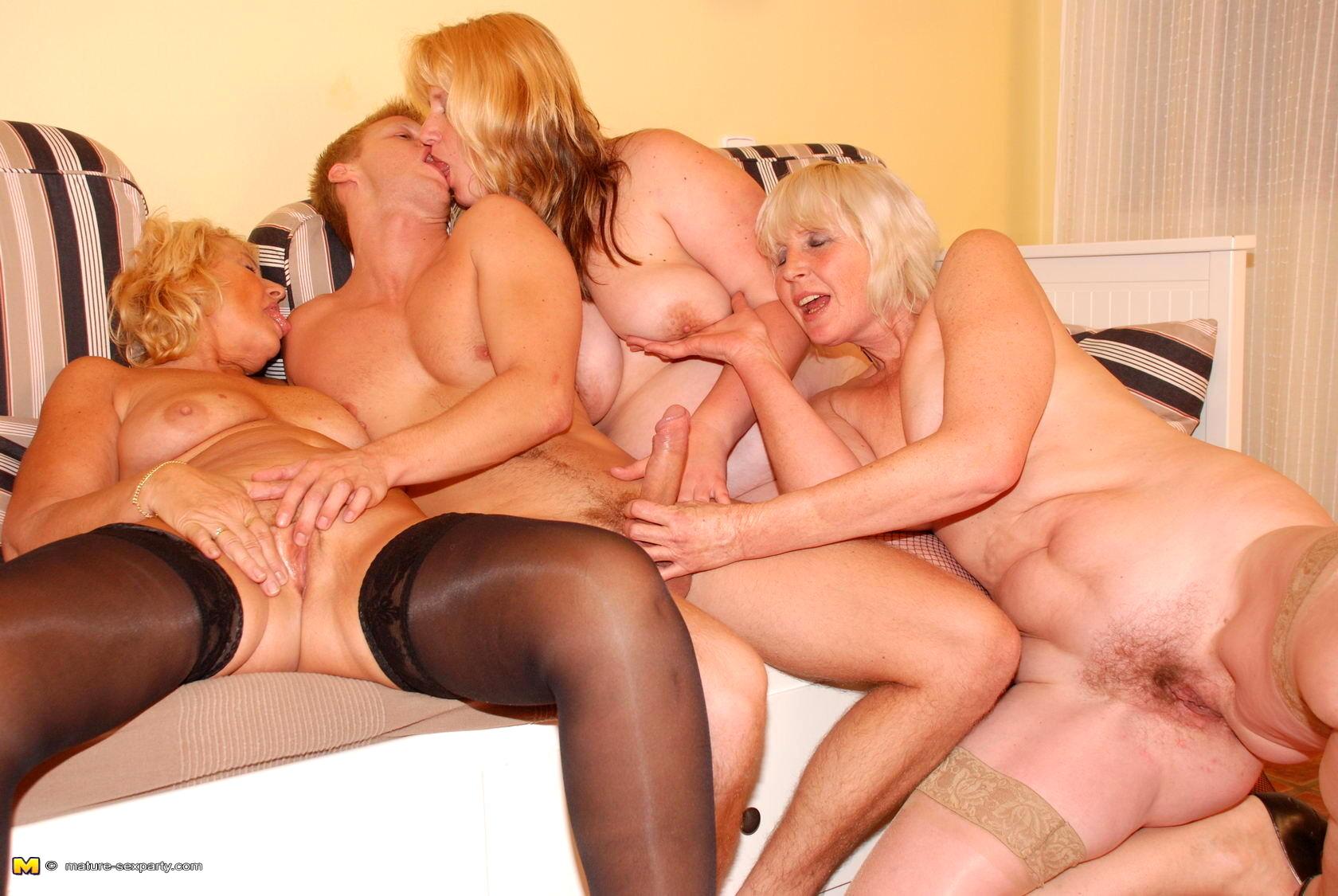 Зрелая групповой секс фильм
