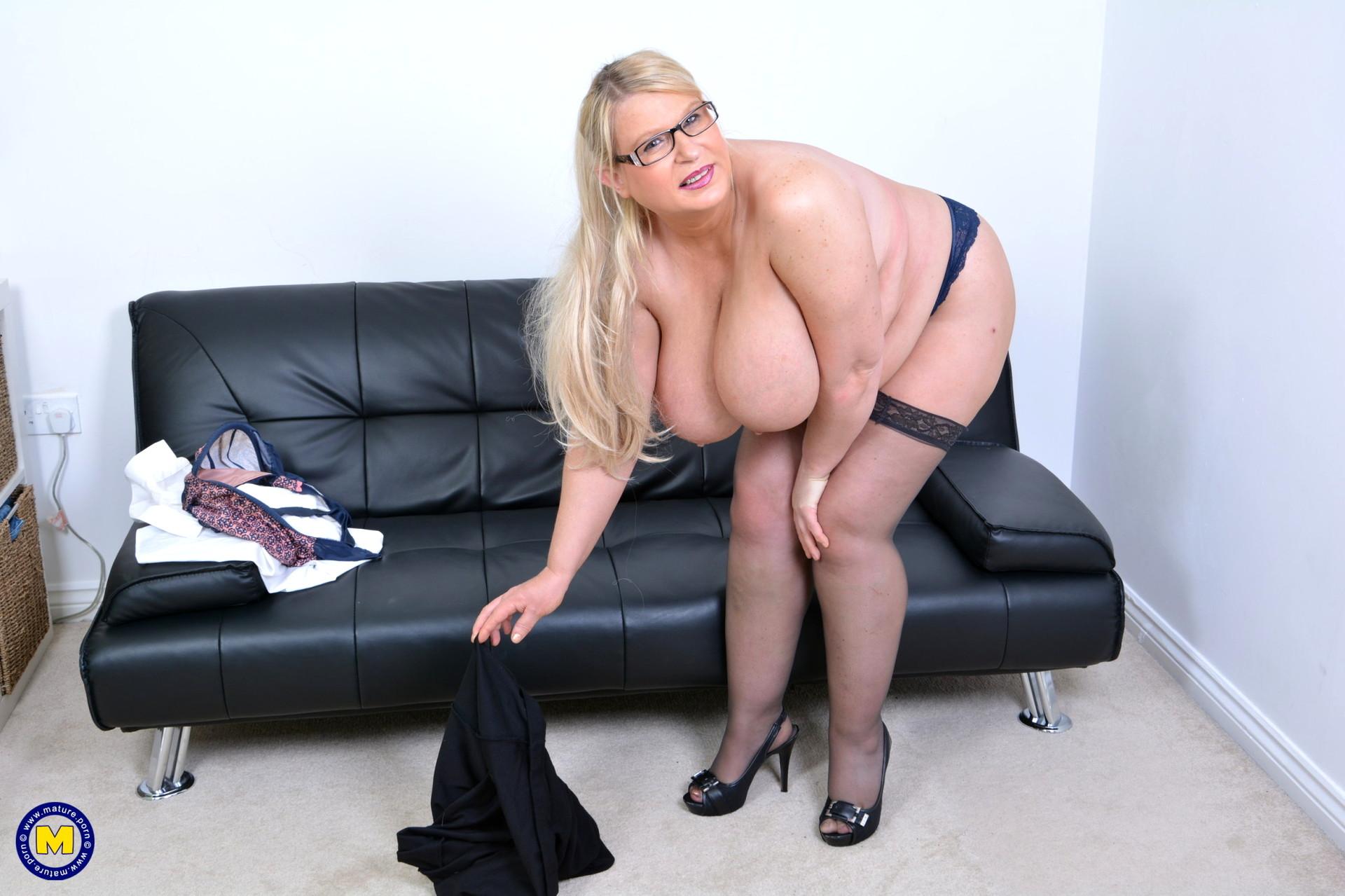 Bbw lacey mature nl, sarah roemer sexy hot