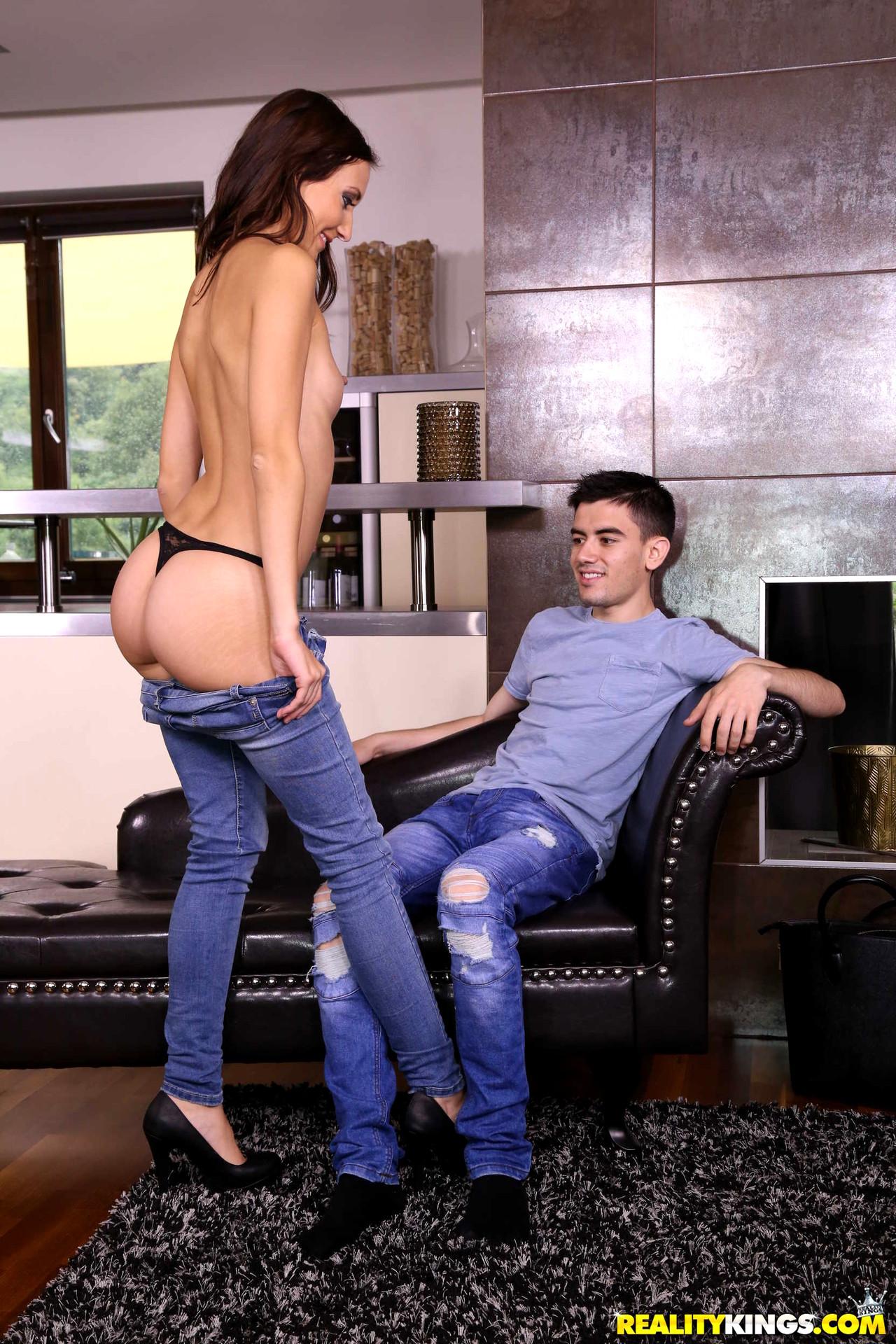 mikes apartment porn