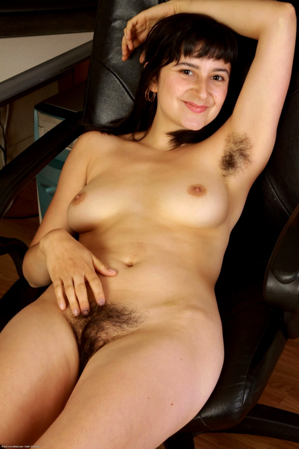 Nude hairy pussey-7338