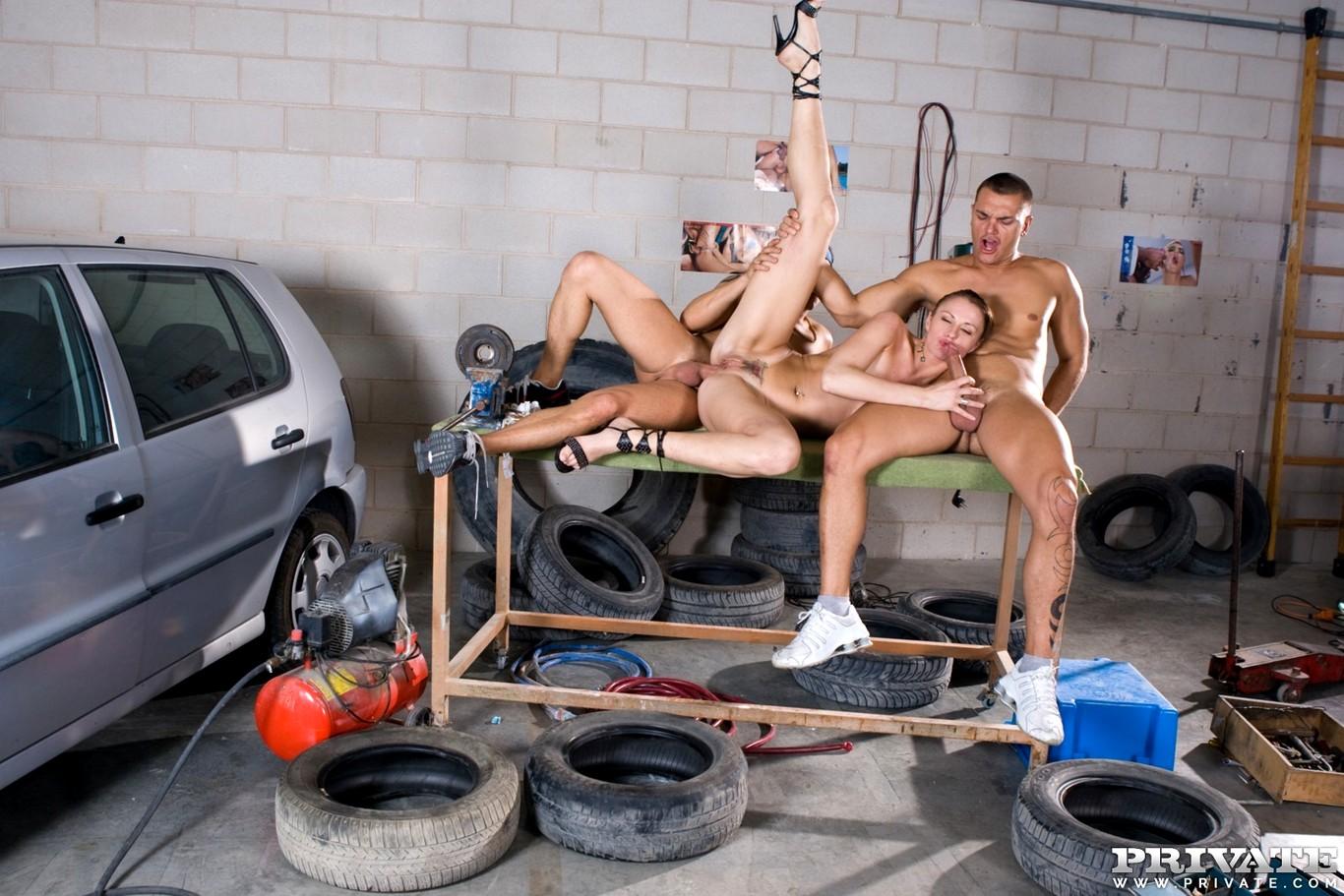 в порно гаражах рассказы