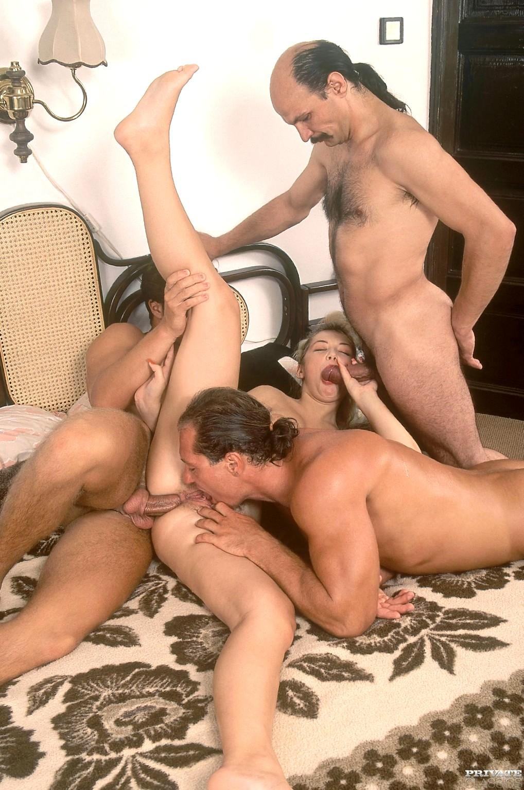 Ретро порно фото бисексуалов, частное домашнее фото женщин порно