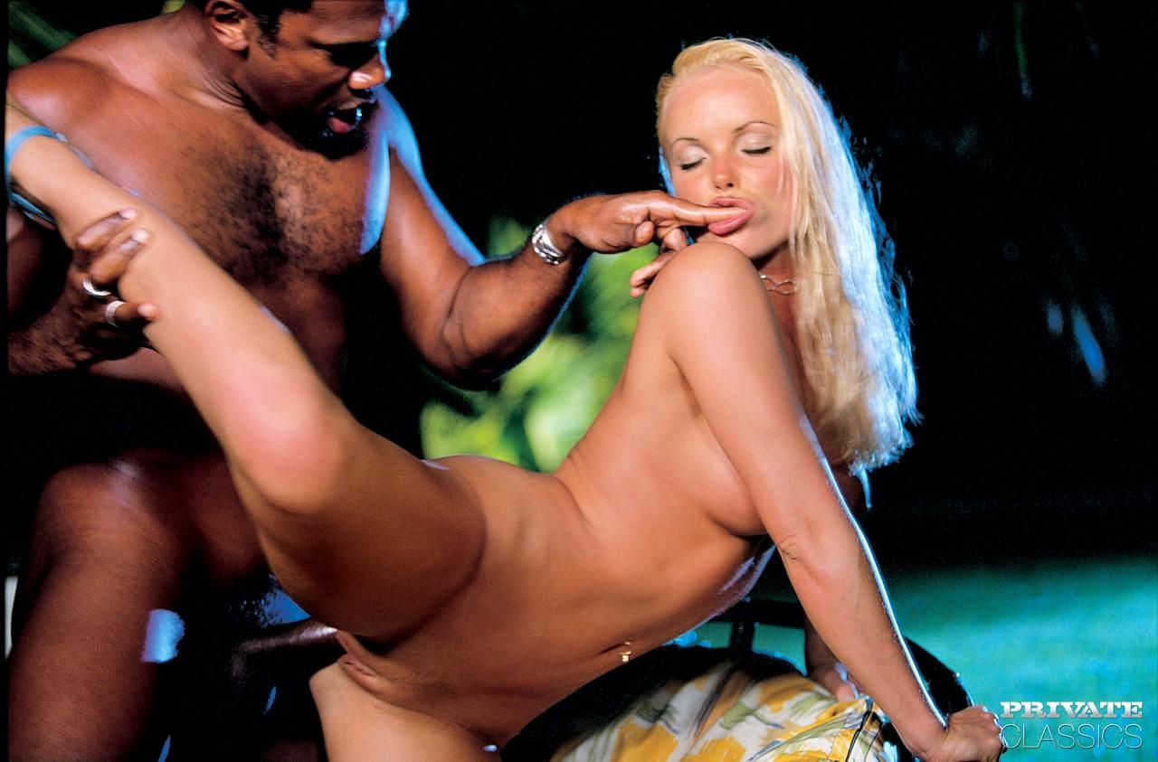 porno-s-silviey-saint-filmografiya-smotret-onlayn-chlen-konchil-porno