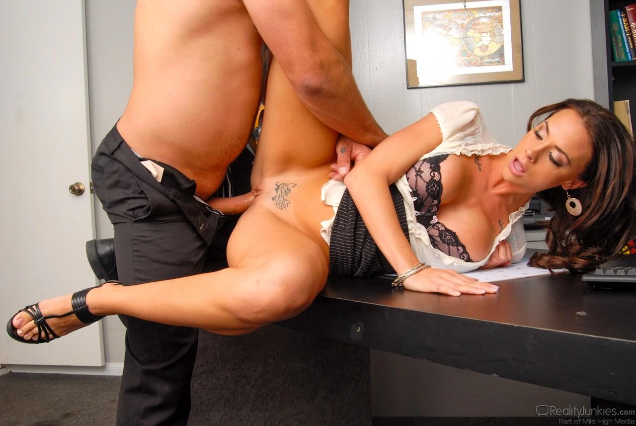 Гламурные женщины в офисе порно 3