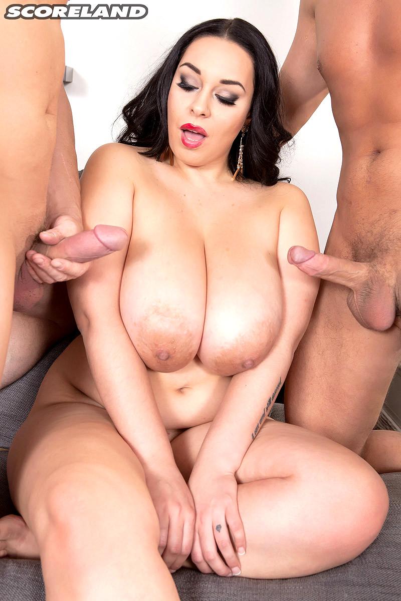 Bigtitts Porn