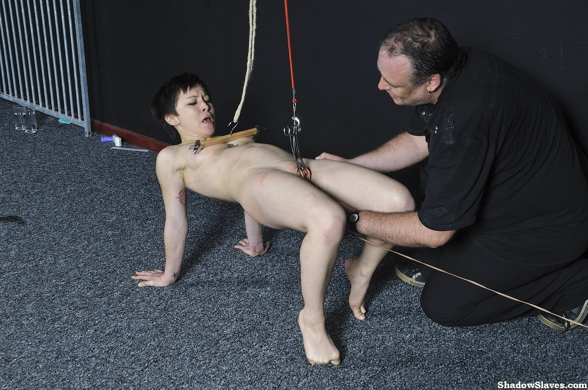 Slave mara gets bizarre initiation as slave 4