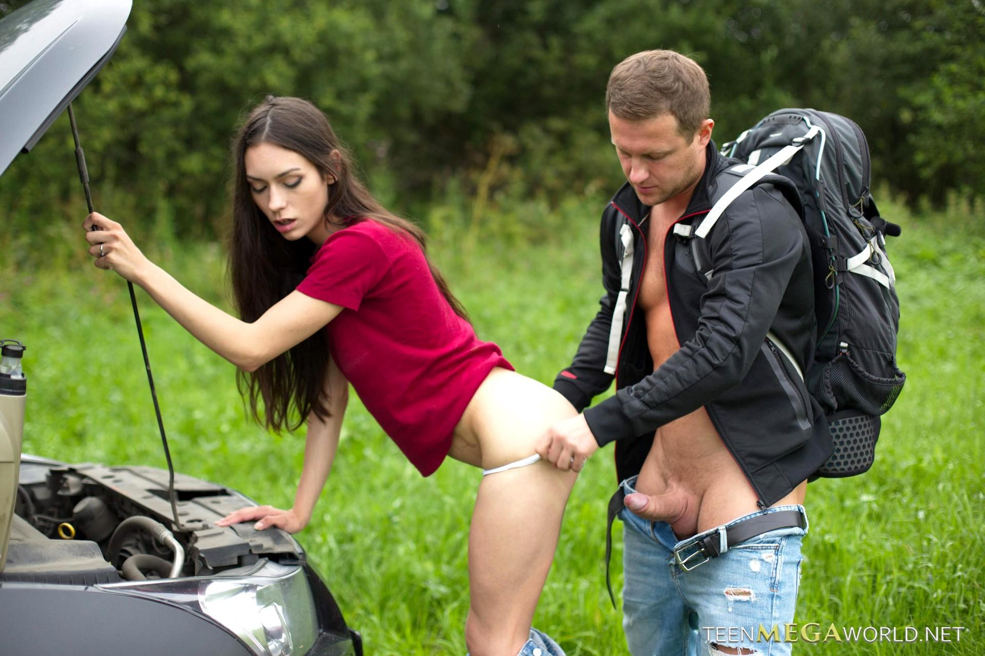 Приехал на заправку и трахнул, Мужик на заправке вдул девчонке за деньги смотреть 21 фотография