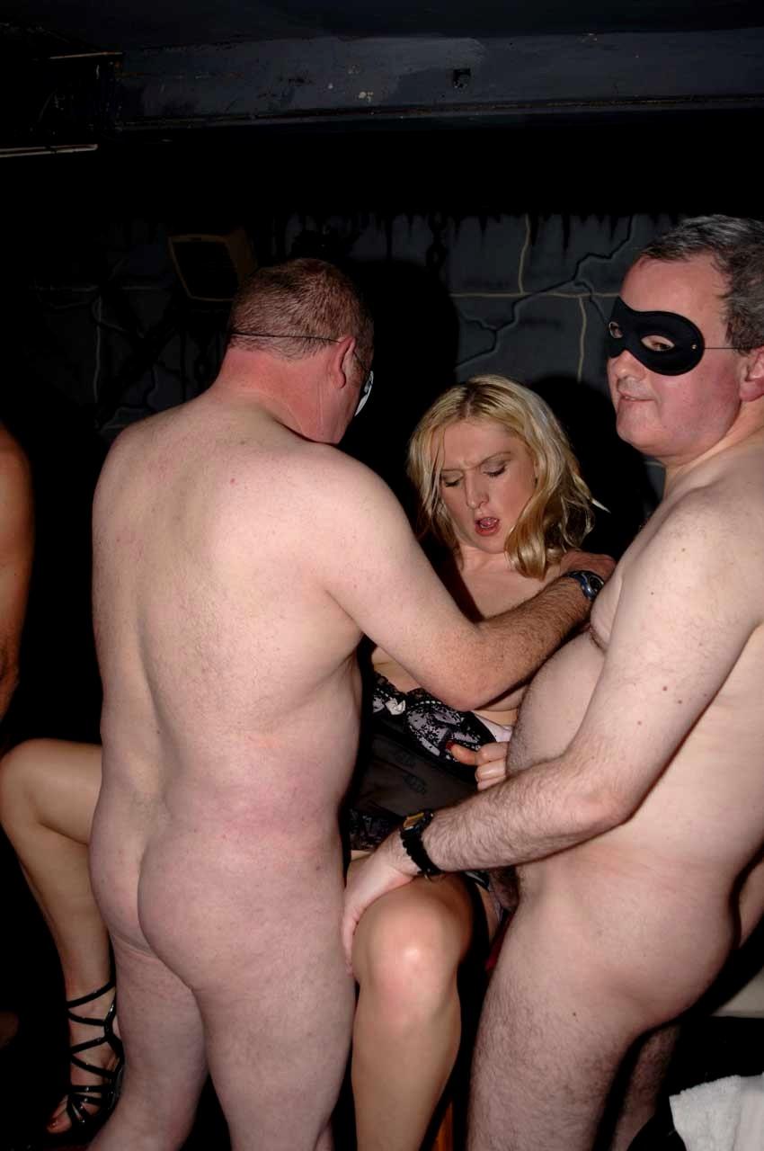 Sexy women naked men