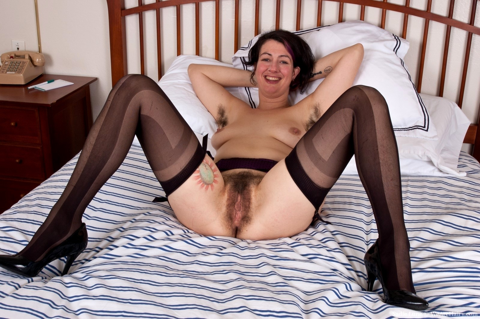 hairy-pussy-ladies-in-stockings-interracial-caption-pics